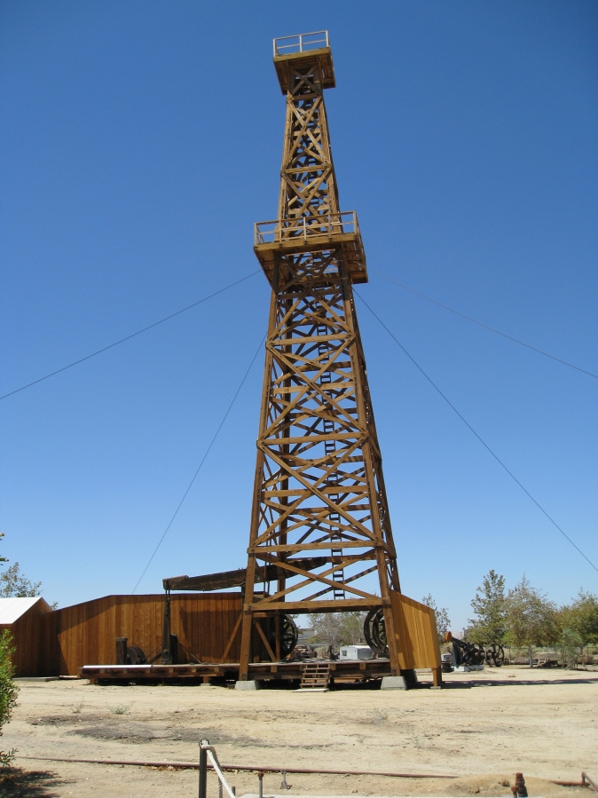 Used Cars Bakersfield >> Wooden Oil Derrick